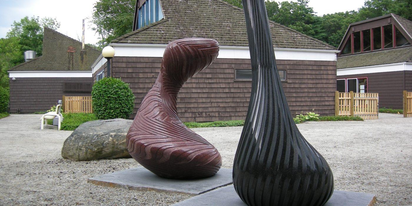 скульптуры из базальта