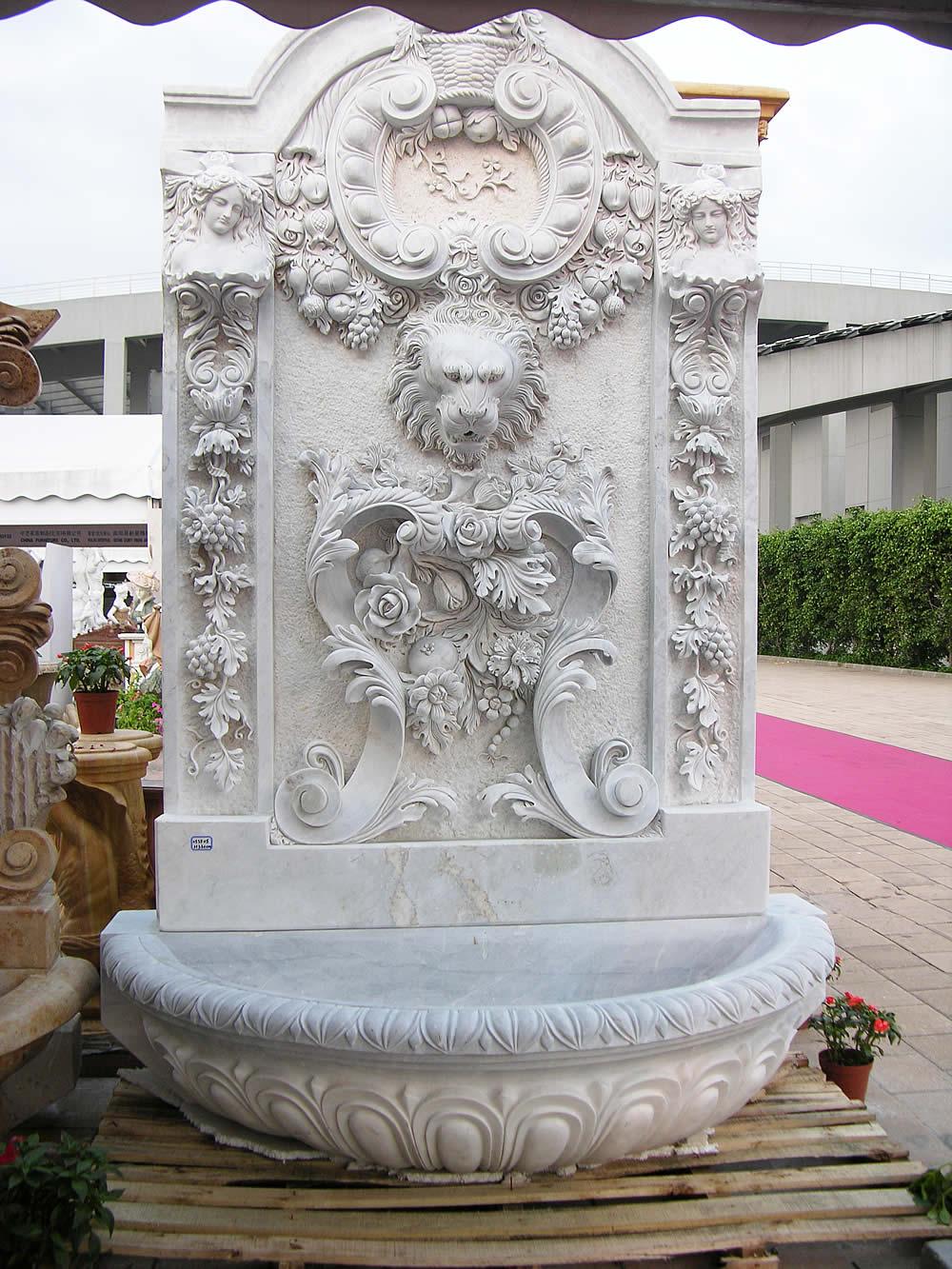 фонтан из мрамора