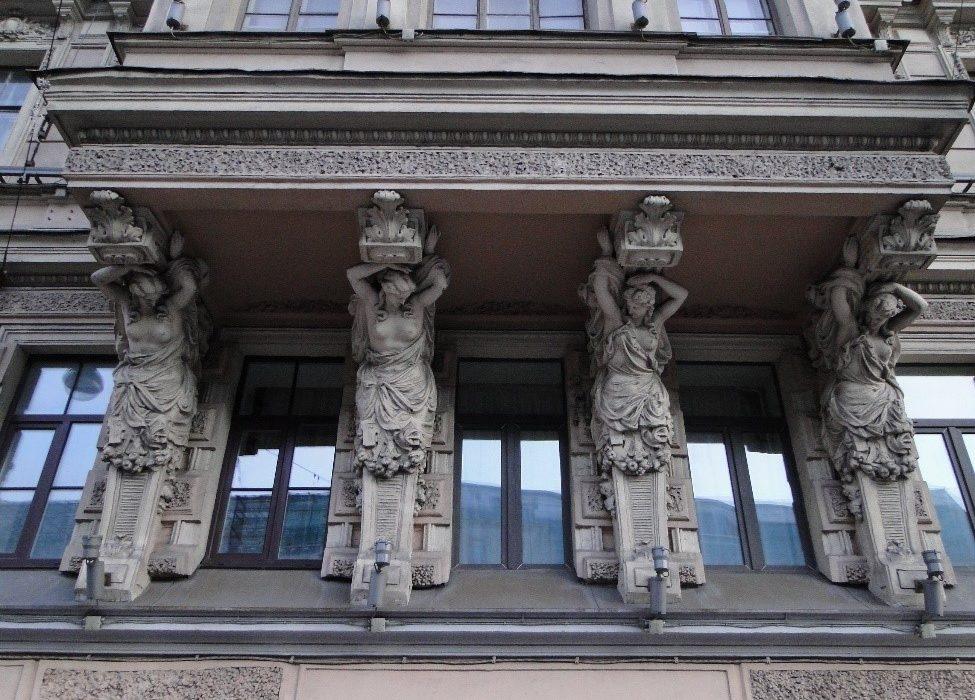 Кариатиды на Невском проспекте
