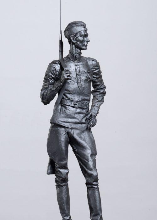 Солдат, гипс тон. , 120 см.