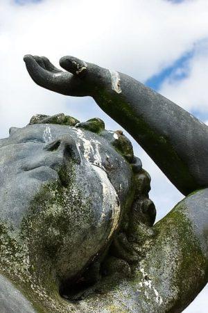 statue-misfortune-bad-luck